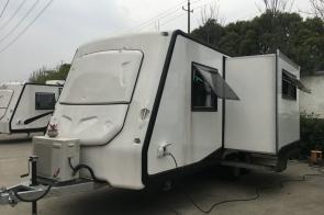 8米 营地房车 KTV版